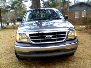 2003 FORD F-150 PICK-UP TRUCK